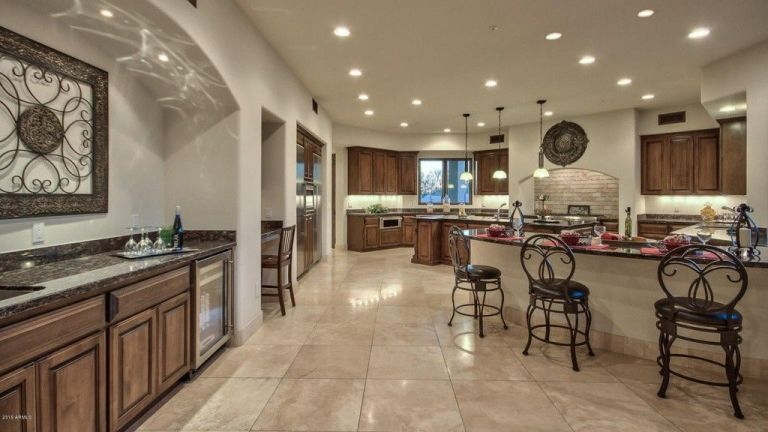 Superstar Houses: Sarah Palin Arizona Mansion