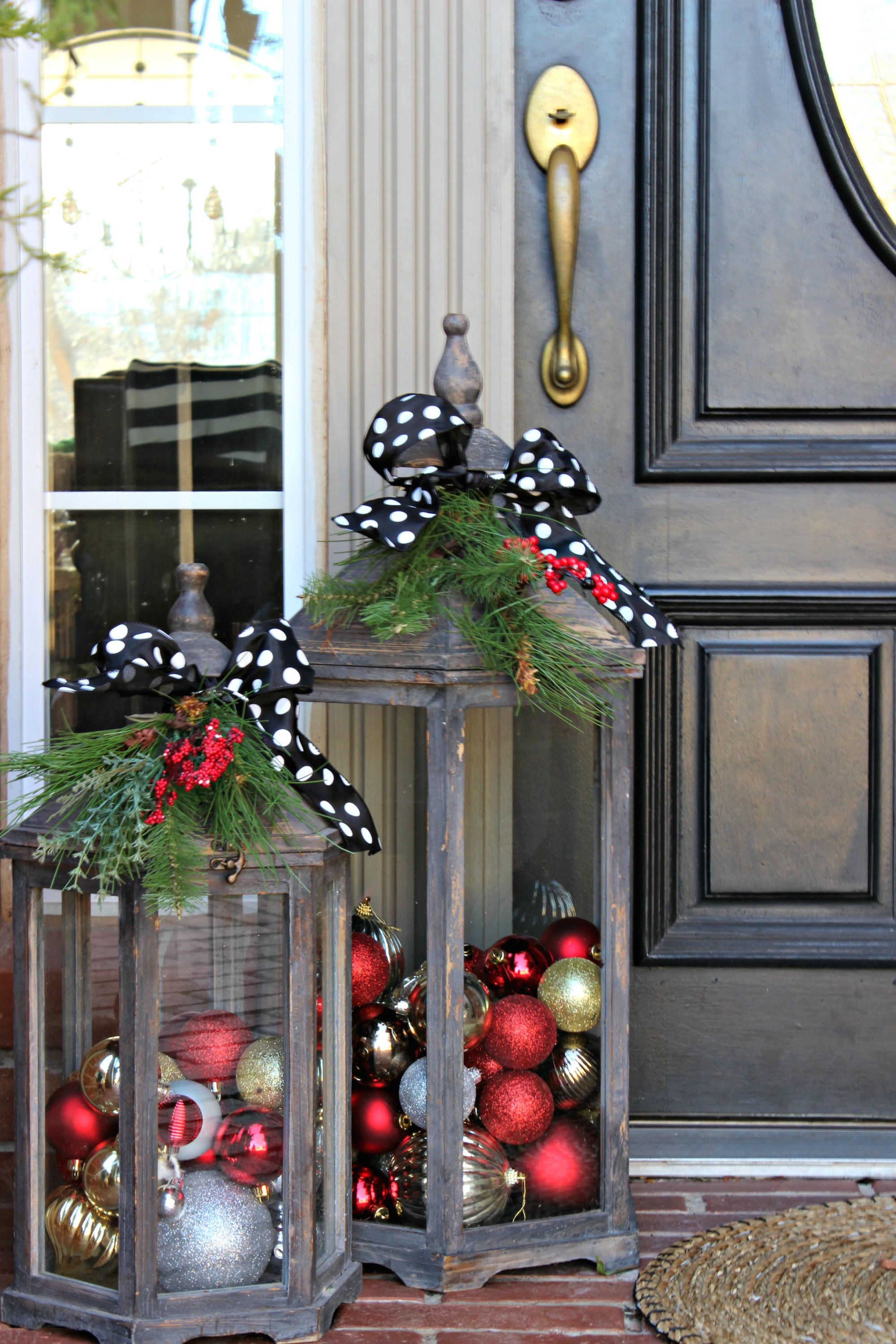 10 Outdoor Christmas Decoration Ideas - Stylish Outside ... on Lawn Decorating Ideas  id=61488