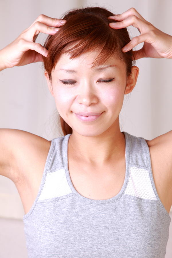 How to stop scalp weeping from an allergy to hair dye?