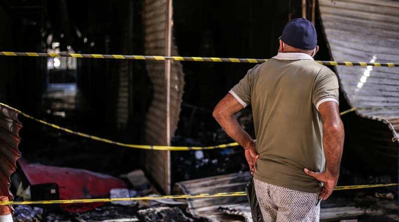 Após fogo no shopping, PMT cederá espaço provisório para lojistas