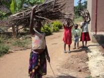Schwere Lasten für Mädchen