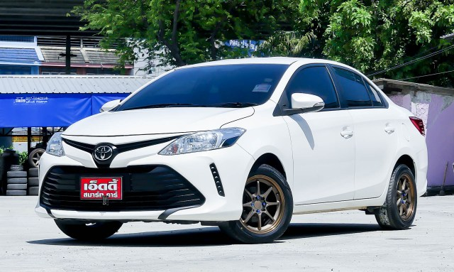 Toyota Vios 1.5 J / AT ปี 2017