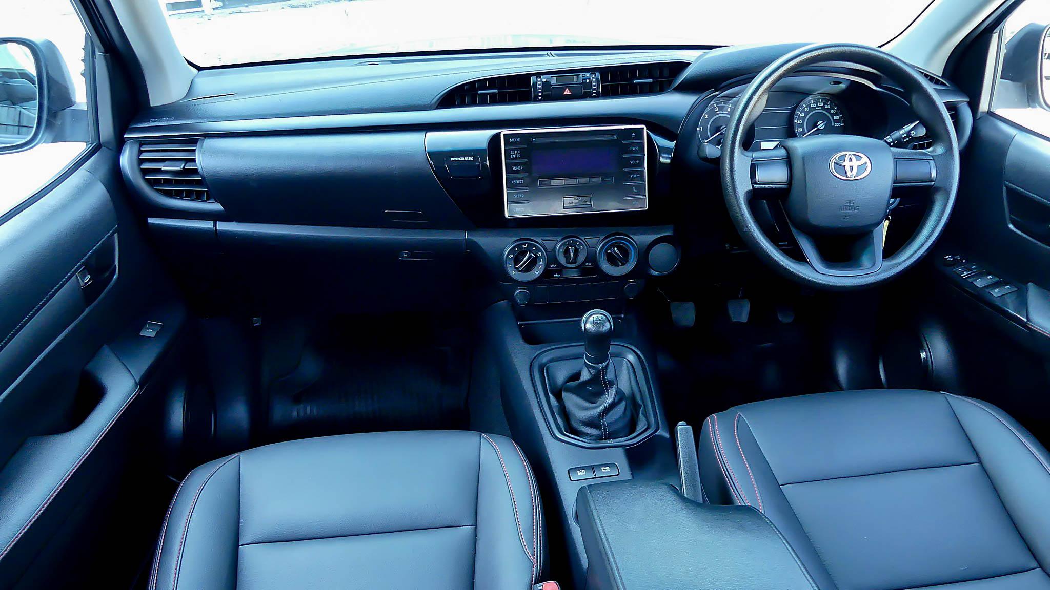 Toyota Revo Smart Cab 2.4 J+ / MT ปี 2015