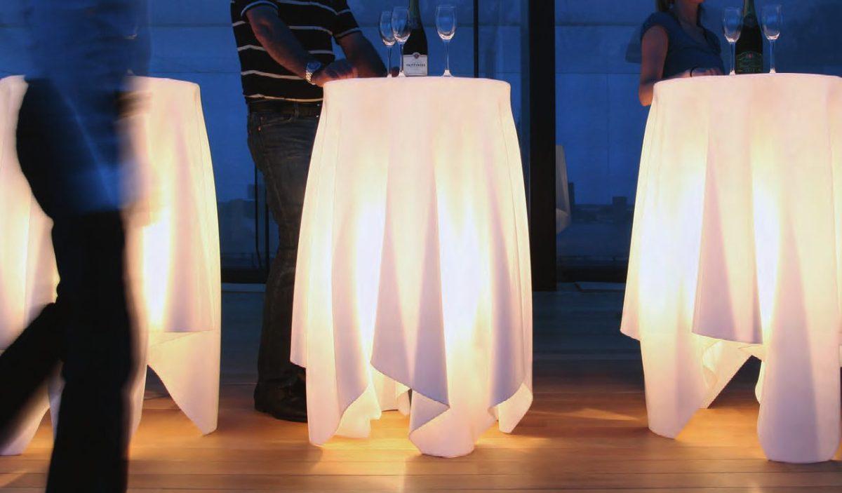 mobiliario exterior con iluminación led