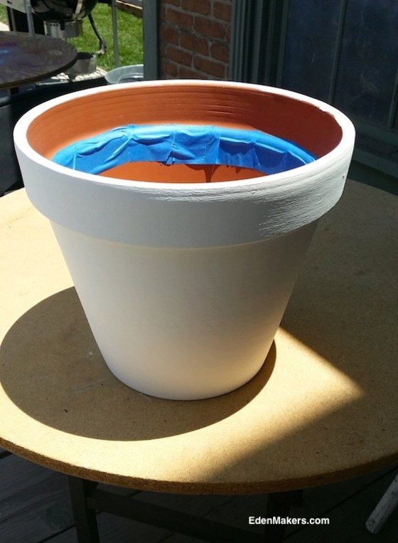 WHITE-TERRA-COTTA-POT-WITH-PAINT-TAPE-EDENMAKERS