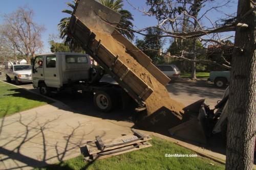 Dump-TRUCK-RENTAL-for-delivering-soils-sand-edenmakers-blog