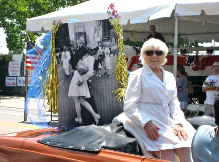 Nurse Edith Shain of famous kiss during V-J Day in Times Square