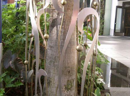 palm tree trunk decor