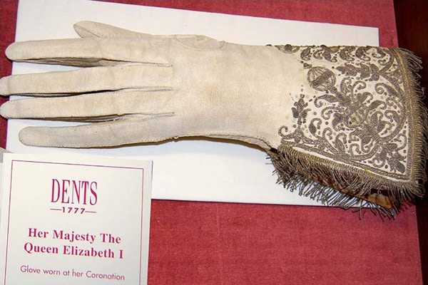 Elizabeth I coronation glove - scented Oxford gloves history