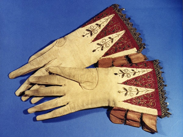Percy gloves Alnwick - scented Oxford gloves history