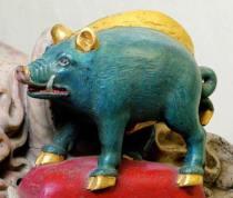 de Vere blue boar on Surrey tomb - deVere Hedingham ring auction