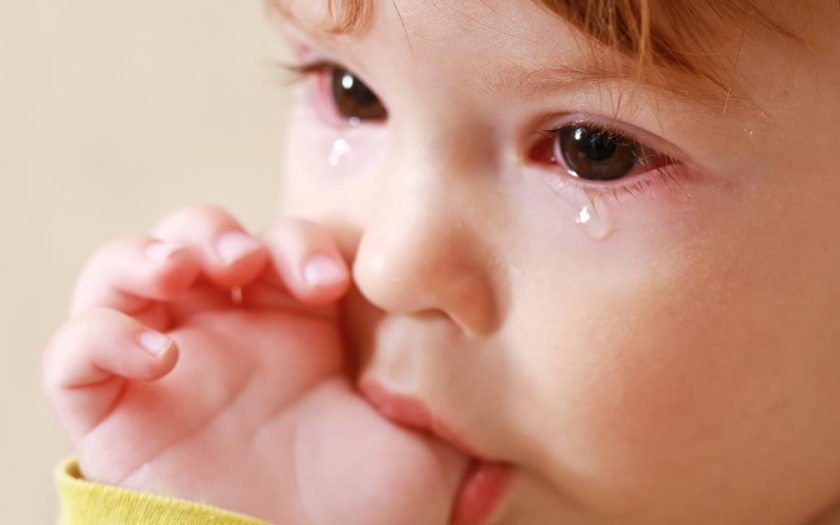 Clogged tear duct in infants
