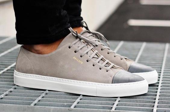 Sneaker Axel Arigato modèle Cap-toe beige