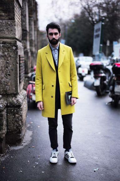 vêtements couleur jaune peau claire