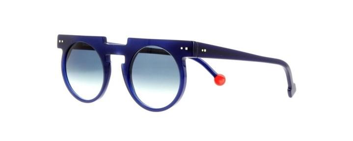 guide des lunettes tendances pour un été bien lunetté soleil homme colorée bleu