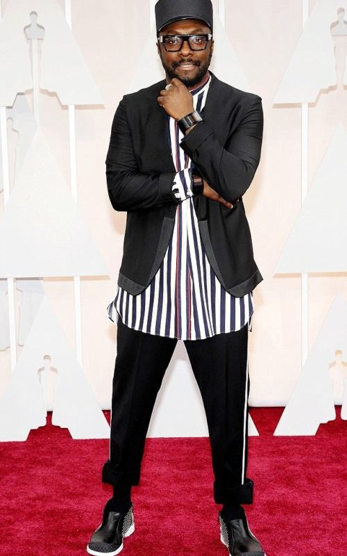 Stylé comme une star : À qui ressemblez-vous ? look tendance homme chanteur rappeur artiste célébrité minimaliste noir blanc homme