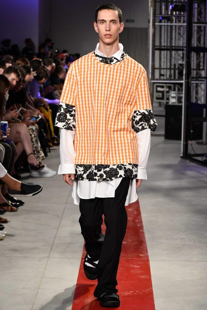 Les pires tendances masculines de l'année 2017 Homme menswear mode fashion faux pas défilé MSMG Spring printemps 2017 motifs all-over pattern kitch nouvel an