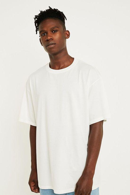 idée de look streetwear homme tee-shirt long