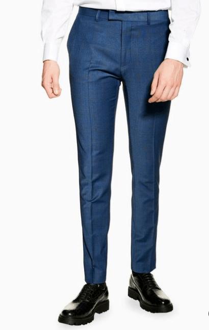 Pantalon de costume bleu idée de look élégant