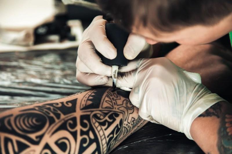retouche tatouage soins conseils