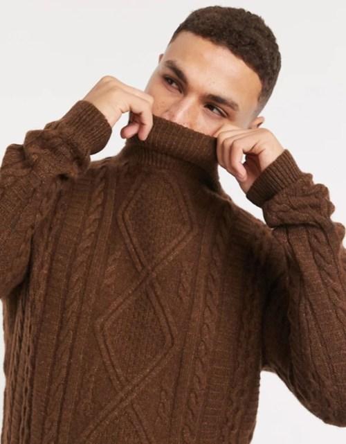 col roulé laine hiver matière chaude