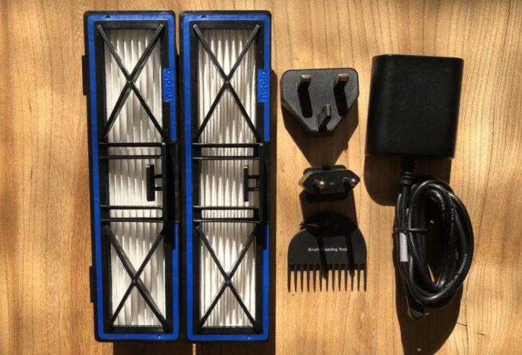 Neato D8 l'aspirateur connecté de Neato Robotics
