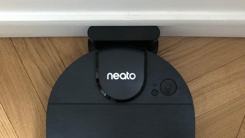 Test & Avis le Neato D8 l'aspirateur connecté de Neato Robotics