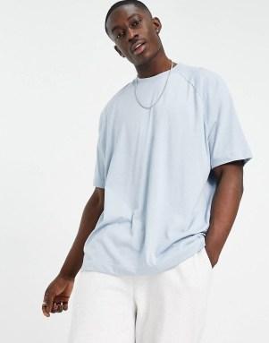 Idée de look 48 T-shirt oversize bleu clair ASOS DESIGN