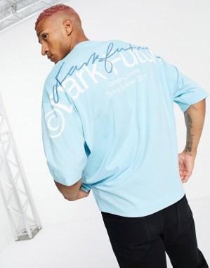 Idée de look 48 T-shirt oversize logo au dos ASOS Dark Future