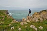 De regreso al camping, me tome esta foto para dar un poco de escala al rocoso paisaje de esta parte de la costa de Gales.