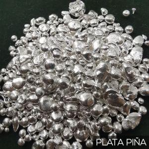 Una foto de plata pura también llamada plata piña o plata 999