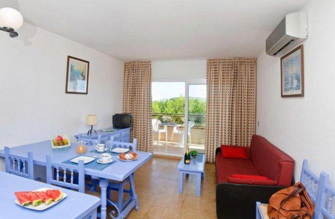 About Apartments La Pineda