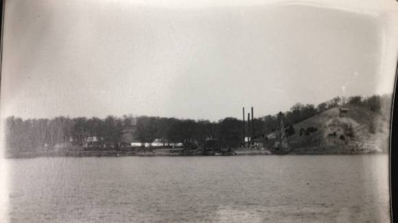 Looking West to dam workcamp, 1911. Photo: Frank Eberhart, Courtesy of the Wisconsin Historical Society.