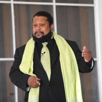 Tyrone Hayes speaking at King University. Photo by Earl Neikirk, November 2013.