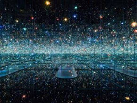 Infinity Mirrored Room installation at The Broad museum in Los Angeles, by Yayoi Kusama. Image from Wikimedia Commons, 2017.