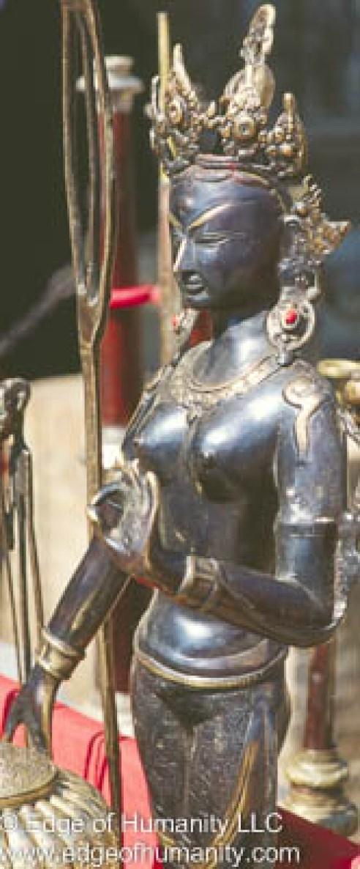 Metal statue - Nepal.