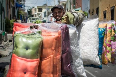 Cojines ambulantes Santa Bárbara, Zona Colonial, Santo Domingo, Dominican Republic