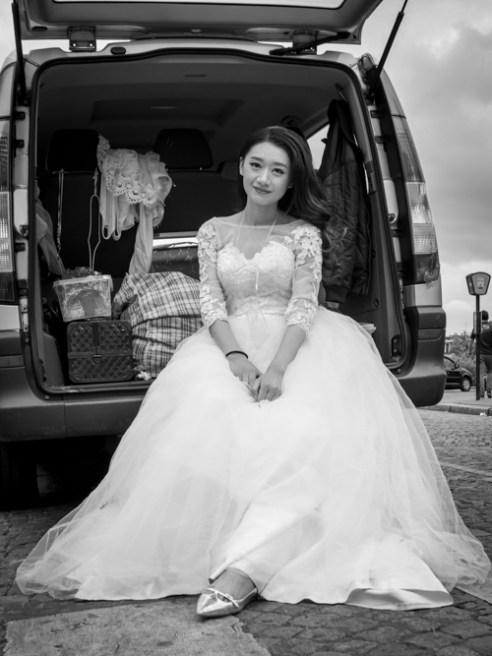Bride in Montmartre - Montmartre, Paris