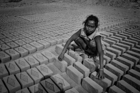 Anja_Bruehling_Brick_Workers-7