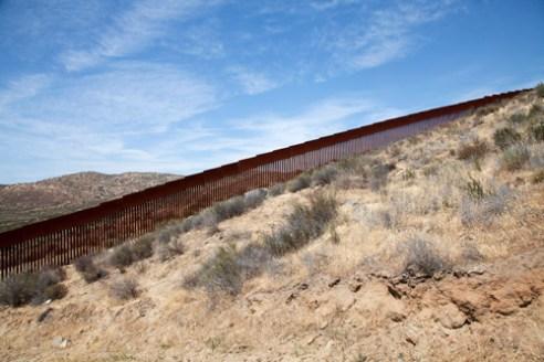 Muro fronterizo entre México y USA, en Tecate (Baja California)