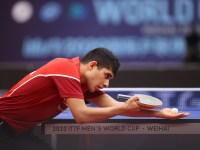 Kanak Jha serves against Liam Pitchford at the 2020 World Cup.