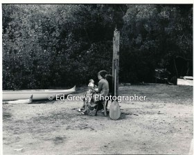 couple-at-kauai-canoe-club-2666-68-19a-8-73