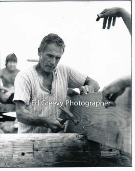 Journeyman volunteer carpenter George Baker helps build a Mokauea Island home for Jerry Puu. 500803-10 6-7-80