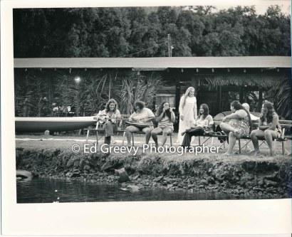 kauai-canoe-club-women-paddelers-2666-87-32a-8-73