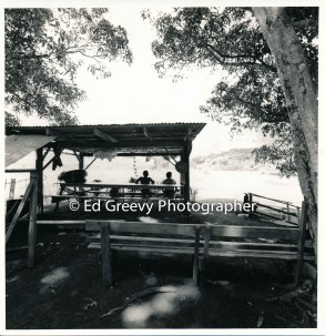 picnic-area-on-the-huleia-river-kauai-2666-33-9-8-73
