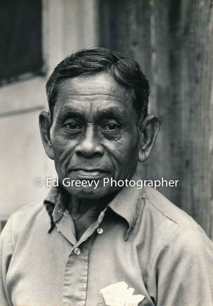 retired-sugar-worker-at-home-in-nawiliwili-niumalu-kauai-2666-45-3a-8-73
