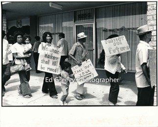 waiahole-waikane-residents-mr-bautista-deana-manatad-and-roseann-manatad-march-in-protest-of-evictions-at-developer-joe-pao%ca%bbs-enchanted-lakes-office-2965-5-18a-4-7-76_