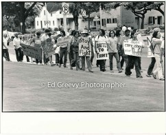 waiahole-waikane-residents-picket-city-hall-to-protest-evictions-2987-3-37-5-14-76