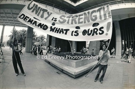 waiahole-waikane-residents-protest-their-evictions-at-the-state-cap-2932-4-26-12-3-76