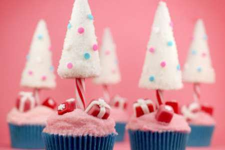 Bakerella's Pretty in Pink Christmas Cupcakes